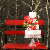 Snowy Sugar Flowers Wedding Cake by Lael Cakes