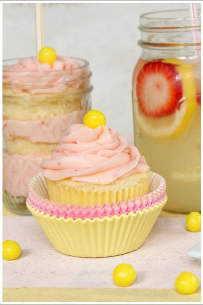 Recipe: Strawberry Lemonade Cupcakes