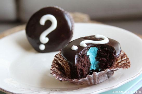 Gender Reveal Cupcakes | by Cream & Flutter on TheCakeBlog.com