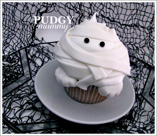 Halloween Mummy Cupcake Tutorial
