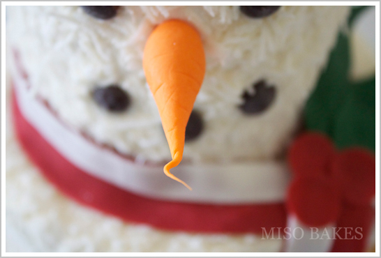 Easy DIY Snowman Cake   by Miso Bakes