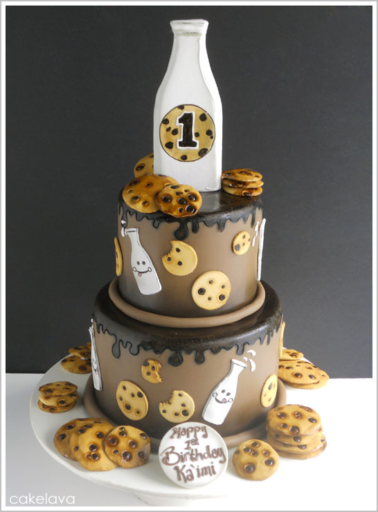 Milk & Cookies Cake by cakelava