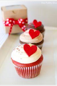 Glitter Heart Valentine's Cupcakes