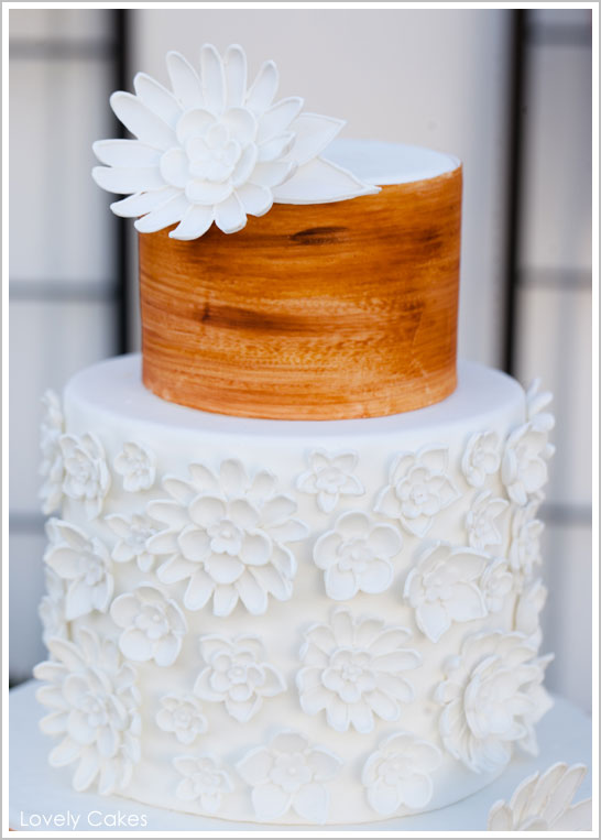 Rustic Wedding Cake, Flowers & Wood Grain