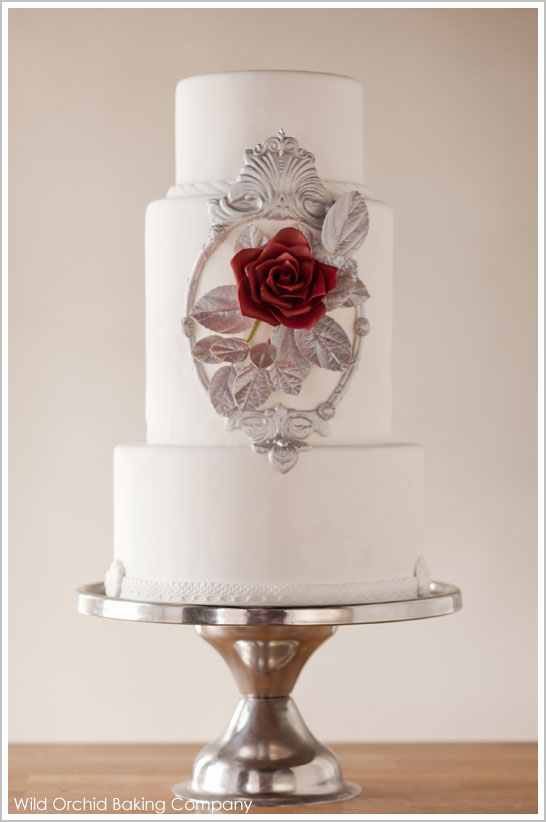 Modern Snow White Wedding Cake