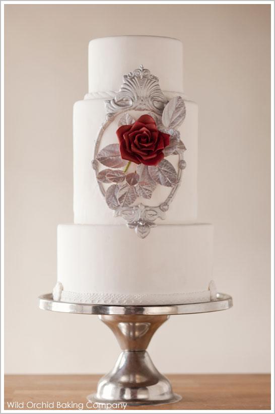Modern Snow White Wedding Cake