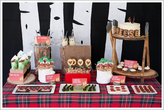 lLumberjack Birthday Party  |  TheCakeBlog.com