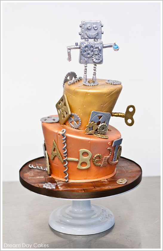 Robot Birthday Cake by Dream Day Cakes | TheCakeBlog.com