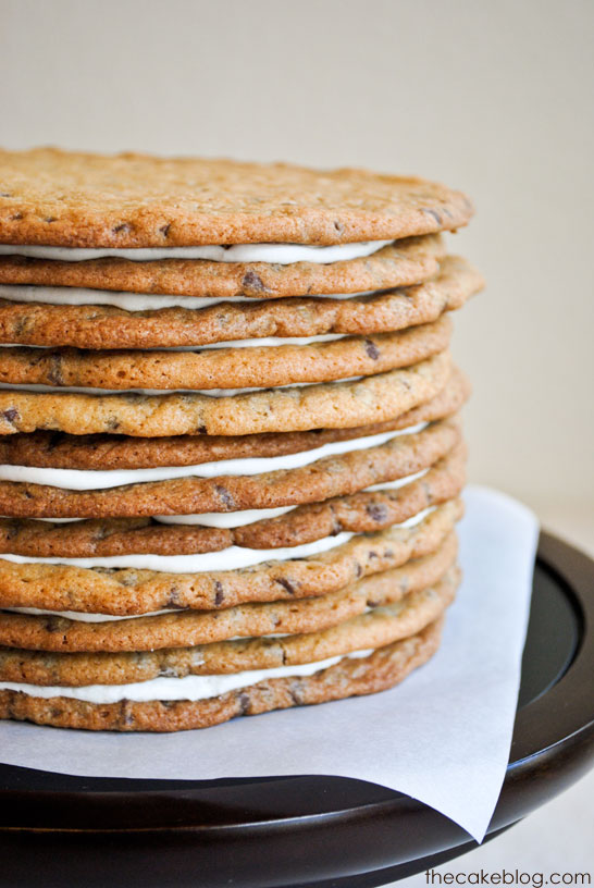 Make a chocolate chip cookie birthday cake