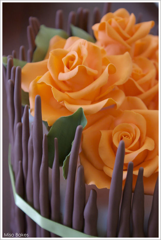 Flower Centerpiece Cake : Diy fall flowers centerpiece cake