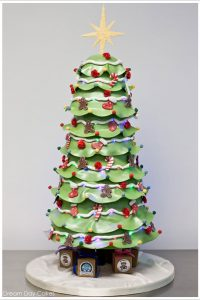 Magical Christmas Tree Cake by Dream Day Cakes  |  TheCakeBlog.com