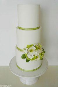 Sugar Ranunculus by Petalsweet  |  TheCakeBlog.com
