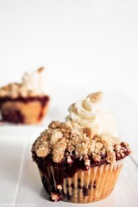 Recipe: Blackberry Cobbler Cupcakes