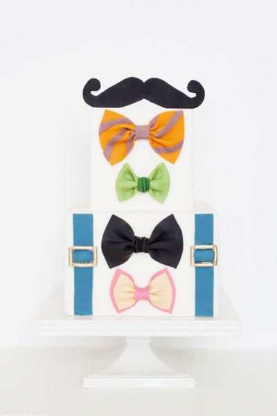 DIY: Bowtie & Mustache Cake
