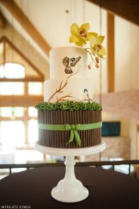 Birds & Branches Wedding Cake by Intricate Icings  |  TheCakeBlog.com