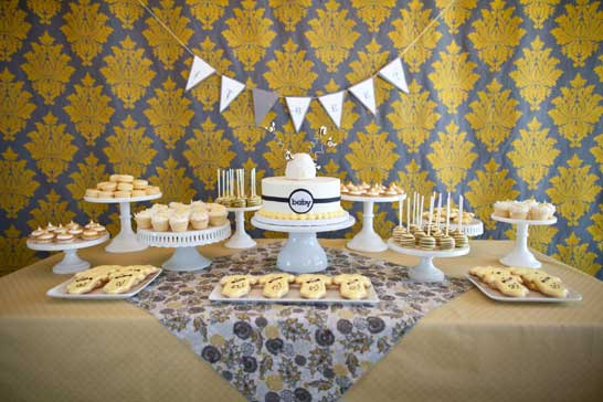 What Will It Bee? | Baby Shower by Fishtale Photography and Cocoa & Fig | TheCakeBlog.com