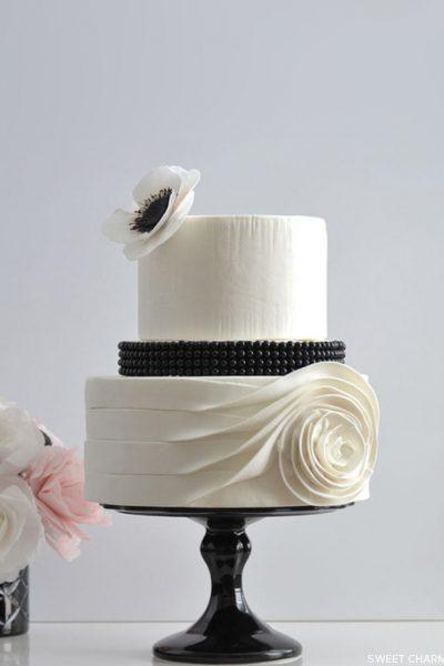 Flowing Rose Cake