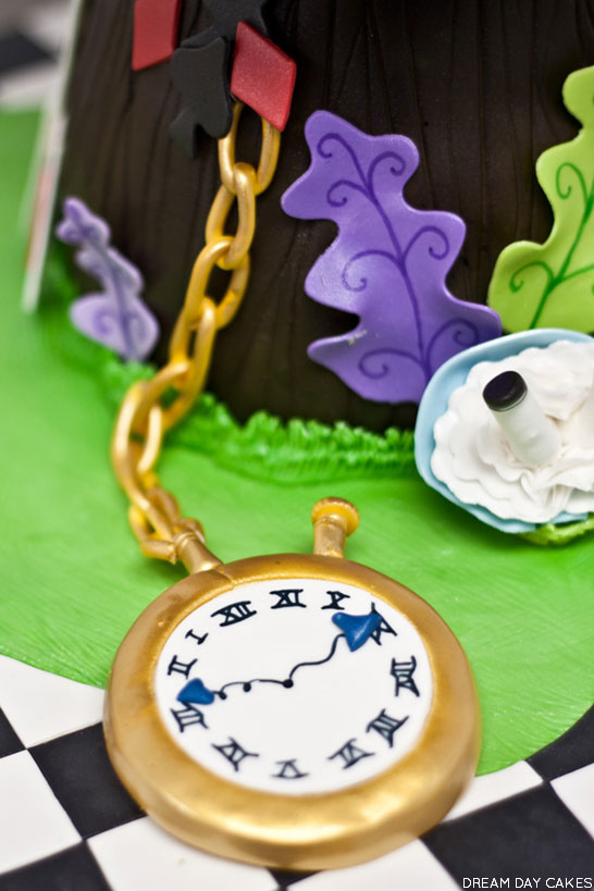 Wonderland Cake | by Dream Day Cakes | TheCakeBlog.com