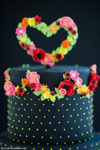Pretty Black Wedding Cake