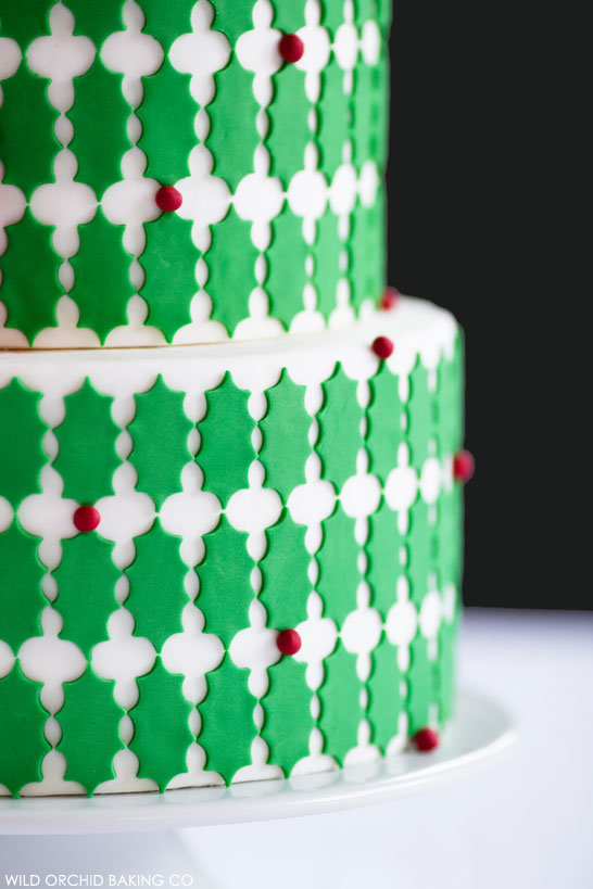 Holly Cake | by Wild Orchid Baking Co | #12CakesOfChristmas