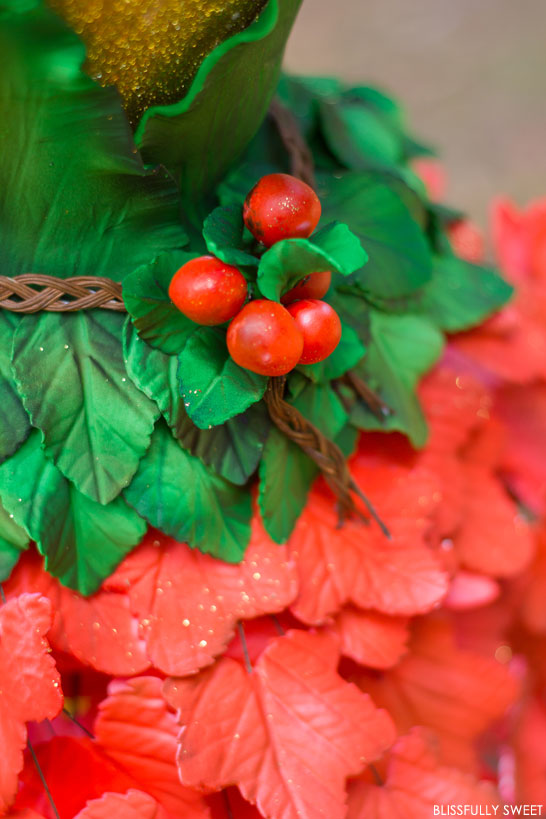 Christmas Tree Inspired Cake | The 10th Cake of Christmas | by Blissfully Sweet | #12CakesOfChristmas