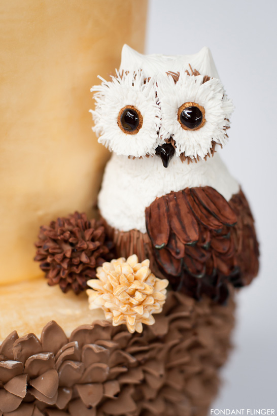 Winter Owl Cake | The 12th Cake of Christmas | by Fondant Flinger | #12CakeOfChristmas