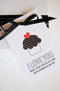 Free Printable Valentines | by Carrie Sellman of TheCakeBlog.com