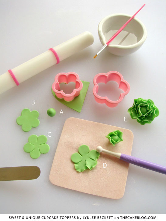 Easter Bunny Garden | tutorial from Sweet & Unique Cupcake Toppers by Lynlee Beckett