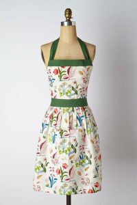 Currently Craving: Pretty Aprons