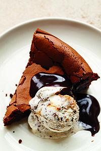 Flourless Chocolate Cake | Martha Stewart Cakes on TheCakeBlog.com