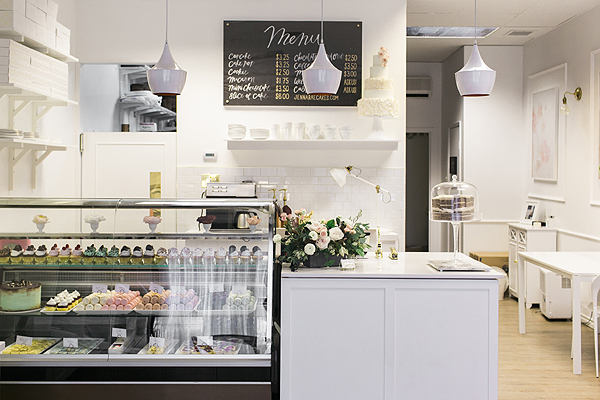 A peek inside this amazing bakery and cake boutique | Bakery Tour of Jenna Rae Cakes | on TheCakeBlog.com