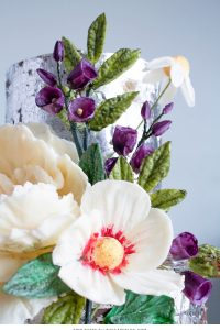 2015 Wedding Cake Trends : Organically Styled Florals