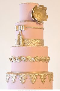 2015 Wedding Cake Trends : Metallics + Color