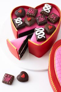 How to make a Valentine's Heart Candy Box Cake | by Cakegirls for TheCakeBlog.com