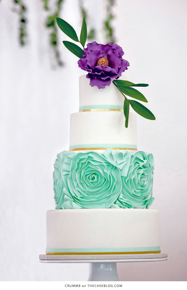 10 Gorgeously Green Cakes | including this design by Crummb | on TheCakeBlog.com