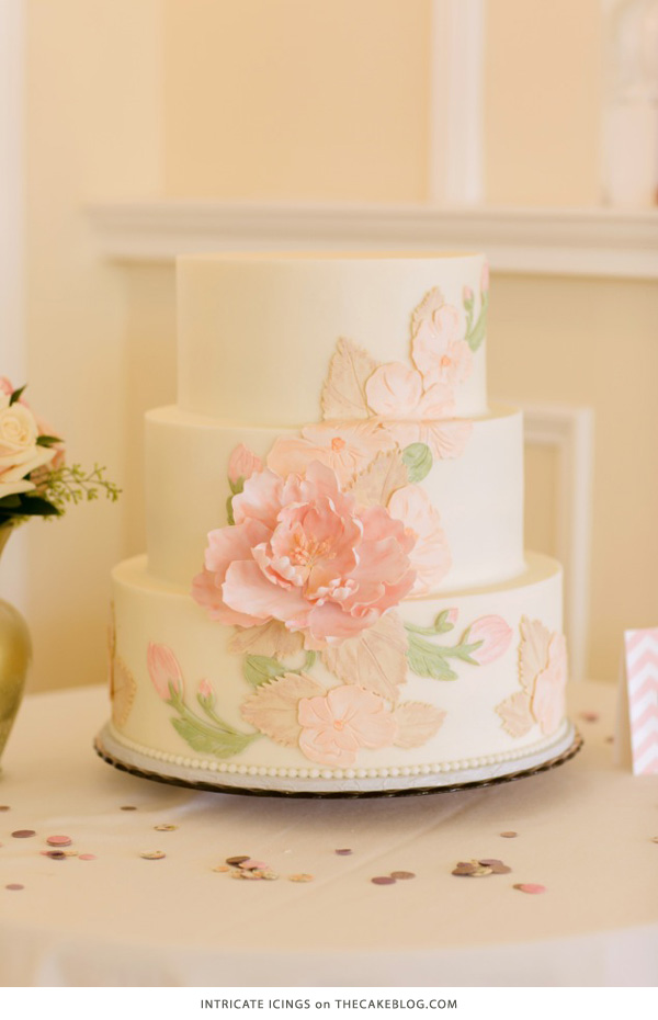 10 Flower Cakes for Spring | including this design by Intricate Icings | on TheCakeBlog.com