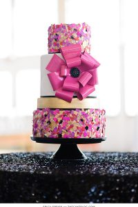 10 Confetti Throwing Cakes