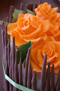 How to make gumpaste roses and a Thanksgiving centerpiece cake | by Miso Bakes for TheCakeBlog.com