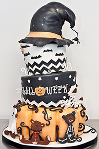 Whimsical Halloween Cake | by Dream Day Cakes for TheCakeBlog.com