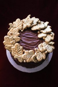 Gilded Cookie Wreath Cake
