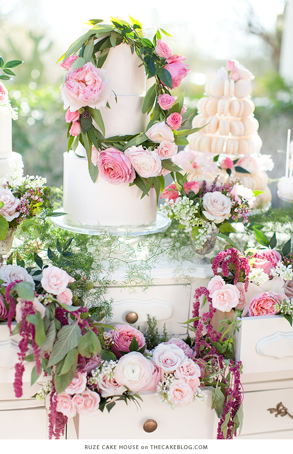 10 Floral Cakes for Spring | including this design by Ruze Cake House | on TheCakeBlog.com