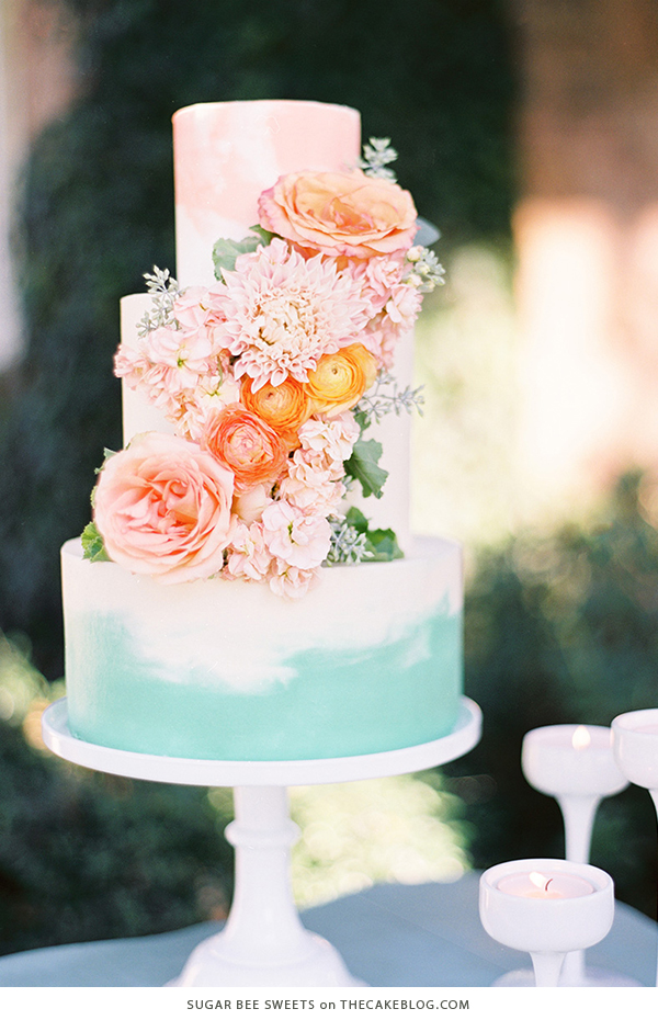 10 Floral Cakes for Spring | including this design by Sugar Bee Sweets | on TheCakeBlog.com