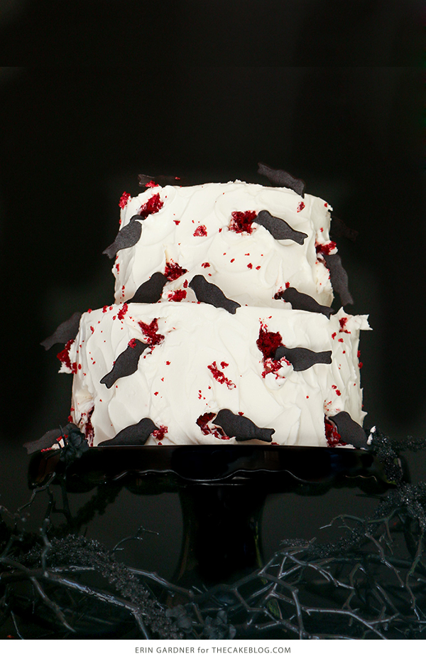 """The Birds"" Black Crow Halloween Cake 