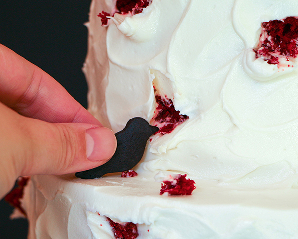 """""""The Birds"""" Hitchcock Inspired Bird Attack Cake - super easy and totally creepy for Halloween 
