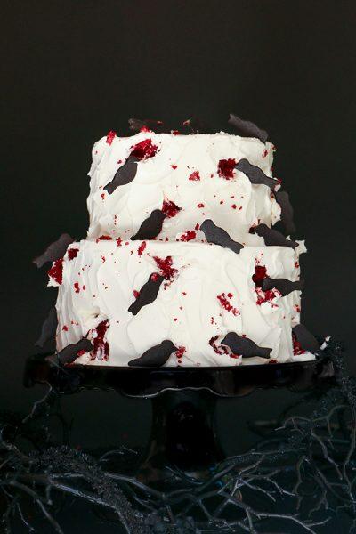 """The Birds"" Halloween Cake"