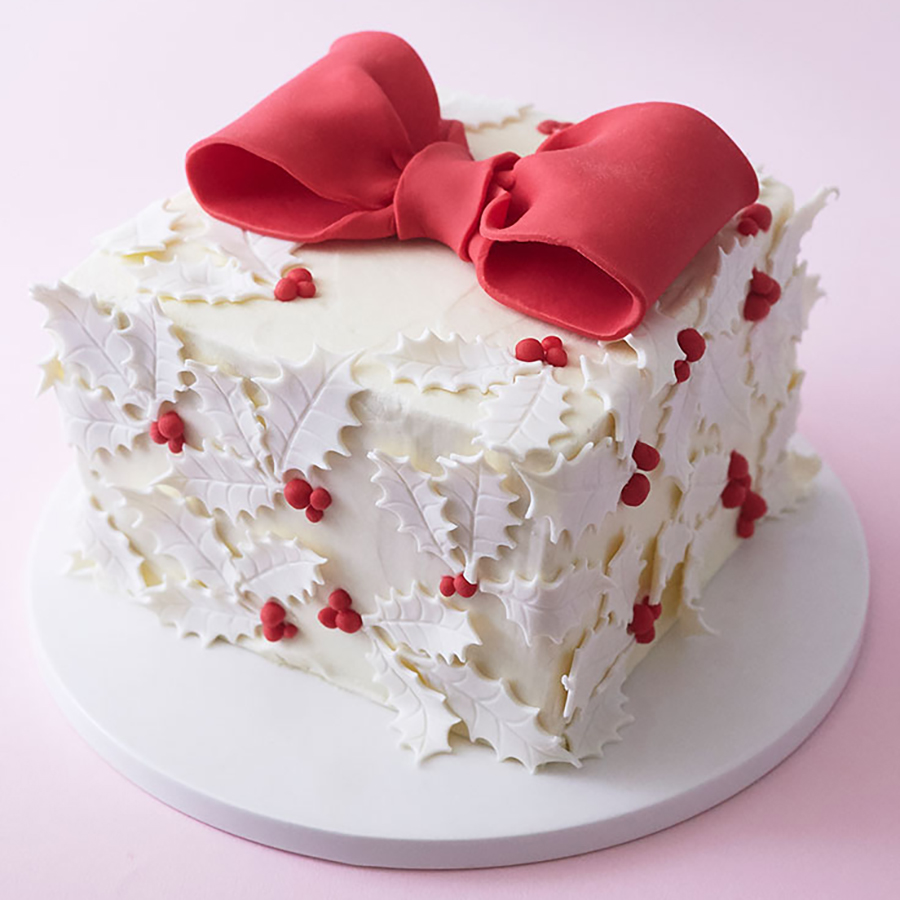 Holly gift box cake negle