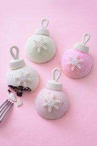 Christmas Ornament Cakes - how to make sparkly, mini ornament cakes for Christmas dessert | by Cakegirls for TheCakeBlog.com