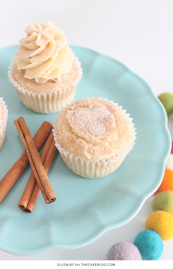 Snickerdoodle Cupcakes - cinnamon sugar cupcakes topped with delicious brown sugar buttercream. A holiday cupcake recipe inspired by the classic Christmas cookie | by ellenJAY for TheCakeBlog.com