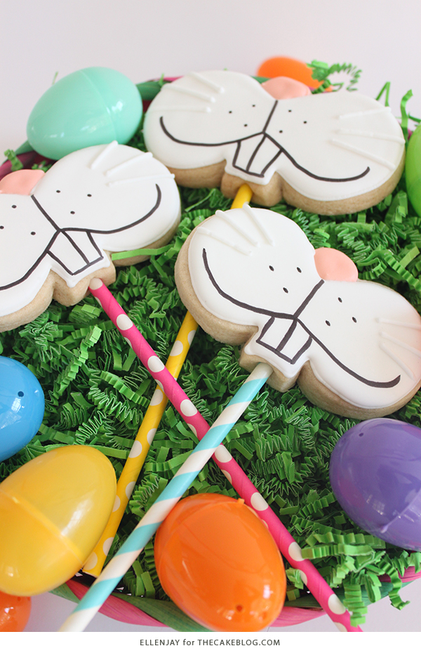 Bunny Face Cookies - how to make sugar cookie pops decorated with adorable bunny faces for Easter | by ellenJAY for TheCakeBlog.com