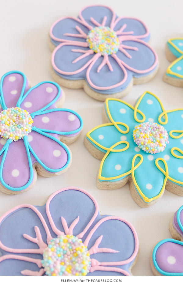 How to make Flower Sugar Cookies | by ellenJAY for TheCakeBlog.com